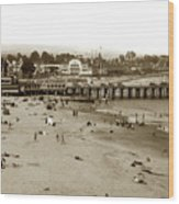 Santa Cruz Beach With Ideal Fish Restaurant 1930's Wood Print