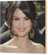 Selena Gomez At Arrivals For 2009 Wood Print by Everett