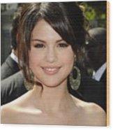 Selena Gomez At Arrivals For 2009 Wood Print
