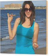 Smiling Hottie At The Beach Wood Print