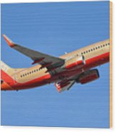 Southwest Boeing 737-7h4 N792sw Retro Gold Phoenix Sky Harbor January 21 2016 Wood Print