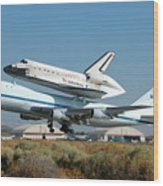 Space Shuttle Discovery Departs Edwards Afb August 19 2005 Wood Print