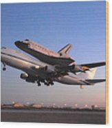 Space Shuttle Discovery Departs Edwards Afb September 20 2009 Wood Print