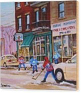 St. Viateur Bagel With Boys Playing Hockey Wood Print by Carole Spandau