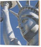 Statue Of Liberty Restaurant Courtyard Chandler Arizona 2005 Wood Print