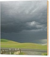 Storms Rolling In Wood Print