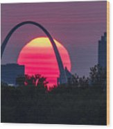 Sun Setting Behind The Arch Wood Print