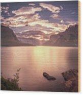 Sunrise At Lake Minnewanka Wood Print