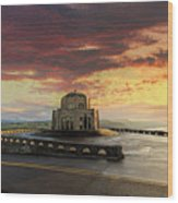 Sunrise At Vista House On Crown Point Wood Print
