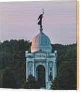 Sunrise On The Pennsylvania Monument Gettysburg Battlefield Wood Print