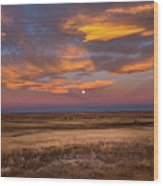 Sunrise On The Plains - Moon Over Prairie In Eastern Colorado Wood Print