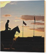 Sunset Behind Will Rogers And Soapsuds Statue At Texas Tech University In Lubbock Wood Print by Ilker Goksen