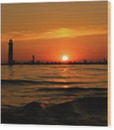 Sunset Silhouettes At Grand Haven Michigan Wood Print