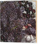 Super Small Grapes Wood Print