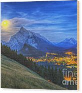 Supermoon Rising Over Mount Rundle Wood Print