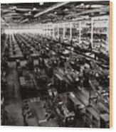 The Assembly Plant Of The Bell Aircraft Corporation In 1944 Wood Print