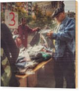 The Bargaining Table - Street Vendors Of New York Wood Print