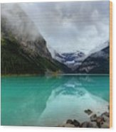 The Breathtakingly Beautiful Lake Louise Vi Wood Print