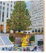 The Christmas Tree At Rockefeller Center New York City Wood Print