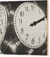 The Clock At Grand Central Wood Print