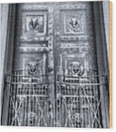 The Door At The Parthenon In Nashville Tennessee Black And White Wood Print