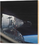 The Gemini 7 Spacecraft In Earth Orbit Wood Print