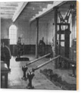 Titanic: Exercise Room, 1912 Wood Print by Granger