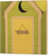 To The Beach - Decorative Outhouse And Sign Wood Print
