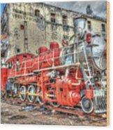Train In Havana Wood Print