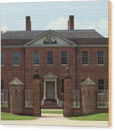 Tryon Palace Front With Gaurd Posts Wood Print