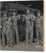 U.s. Army Crew Chiefs Pose In Front Wood Print