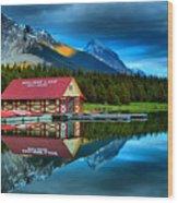Vibrant Evening At Maligne Lake Boathouse Wood Print