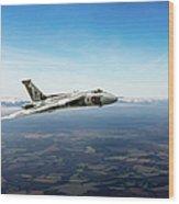 Vulcan In Flight 2 Wood Print