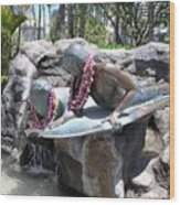 Waikiki Statue - Surfer Boy And Seal Wood Print