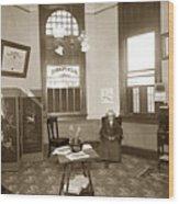 Waiting Room Of Dr. C. H. Pearce, D.d.s. Dentist, Watsonville,  Wood Print