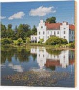 Wanas Slott And Lake Wood Print