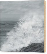 Waves Crashing The Rocks In Ireland Wood Print