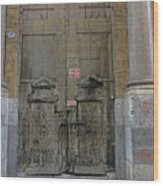 Weathered Old Door On A Building In Palermo Sicily Wood Print