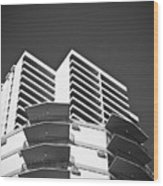 White Building To The Sky In Oahu Hawaii Wood Print