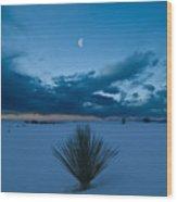 White Sands Moonrise Wood Print