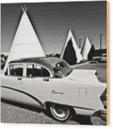 Wigwam Motel Classic Car #2 Wood Print