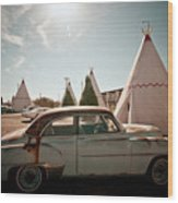 Wigwam Motel Classic Car #8 Wood Print