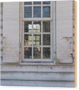 Williamsburg Window 86 Wood Print