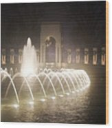 Ww 2 Memorial Fountain Wood Print