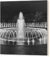 Ww2 Memorial Fountain Wood Print
