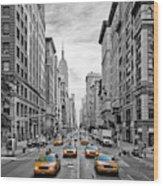 5th Avenue Nyc Traffic Wood Print
