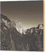Beautiful Yosemite Valley Wood Print