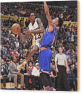 New York Knicks V Los Angeles Lakers Wood Print