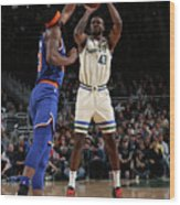 New York Knicks V Milwaukee Bucks Wood Print