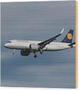 Lufthansa Airbus A320-271n Wood Print